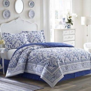 <img class='new_mark_img1' src='https://img.shop-pro.jp/img/new/icons25.gif' style='border:none;display:inline;margin:0px;padding:0px;width:auto;' />Laura Ashley(ローラアシュレイ) /ベットリネン3〜4点セット*Charlotte 3-4piece Comforter Set