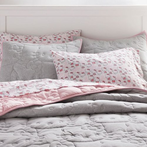 <img class='new_mark_img1' src='https://img.shop-pro.jp/img/new/icons14.gif' style='border:none;display:inline;margin:0px;padding:0px;width:auto;' />Pottery Barn Teen(ポッタリーバーンティーン)ハローキティキルト枕カバー *Hello Kitty® Reversible Jersey Sham