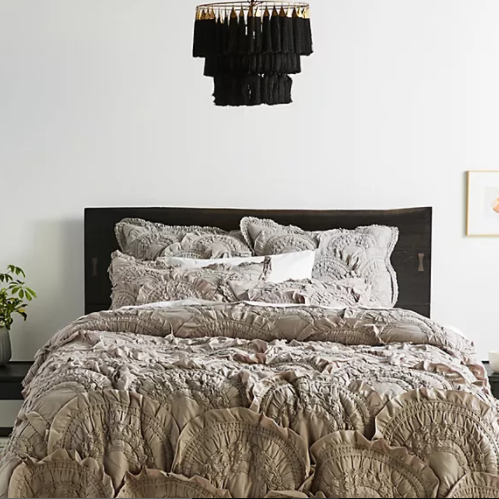 <img class='new_mark_img1' src='https://img.shop-pro.jp/img/new/icons25.gif' style='border:none;display:inline;margin:0px;padding:0px;width:auto;' />ANTHROPOLOGIE(アンソロポロジー) キルトカバー*Rivulets Quilt / Light Grey