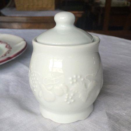 フルーツ柄の陶器マスタードポット(調味料)