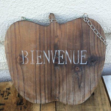 木製ウェルカムボード リンゴ型