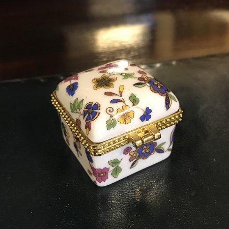 陶器の小物入れ ピルケース