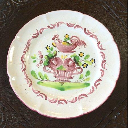 温かみのある手描きカンペール陶器皿 コック
