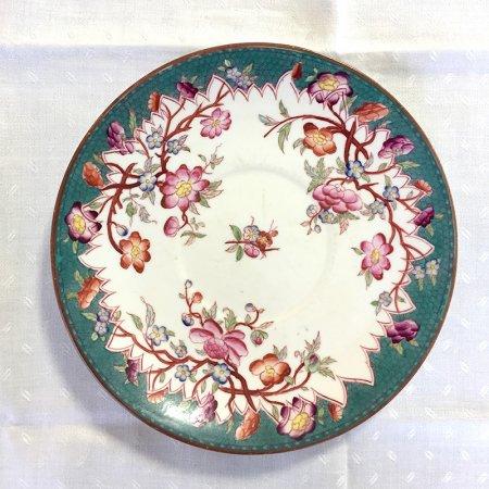 シノワズリ 手描きのオリエンタルな花の小皿 深緑に椿や梅