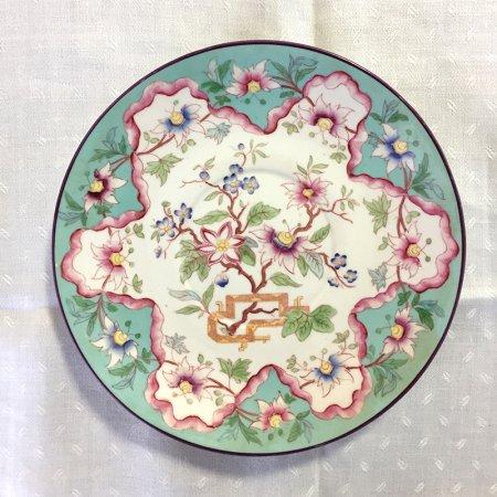 シノワズリ 手描きのオリエンタルな花の小皿 エメラルドグリーンにテッセン