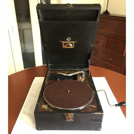 ポータブル 円盤式の蓄音機 1927製