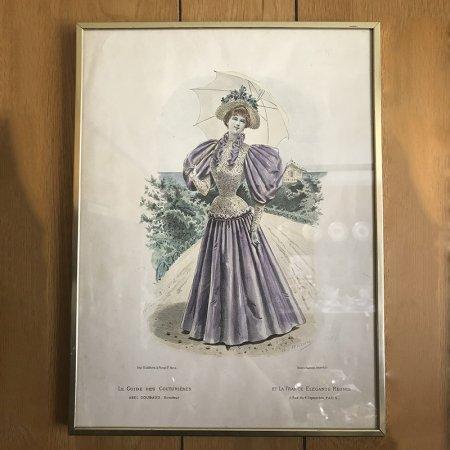 日傘と紫のドレス 爽やかなファッションプレート 金の額縁