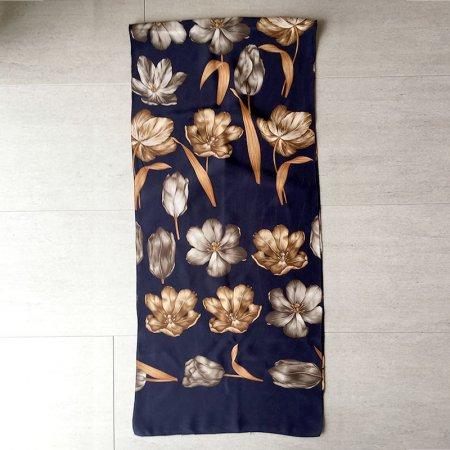 ロングシルクスカーフ 紺地にセピア花柄