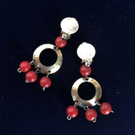 真鍮と赤い玉のイヤリング