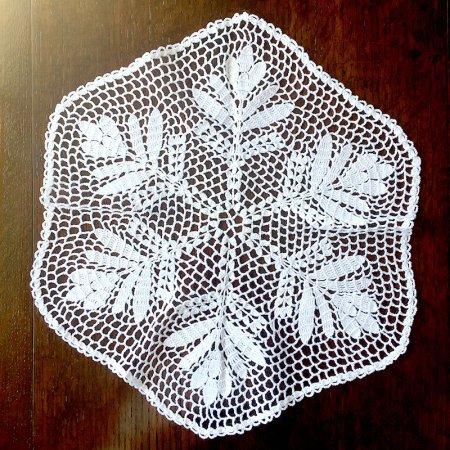 クロッシェレース 6角形ドイリー雪の結晶