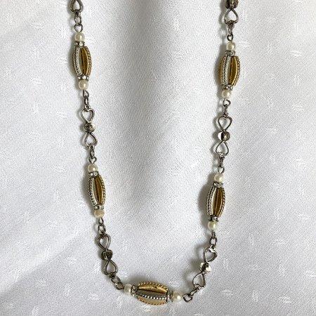 シルバーとゴールド メタルパーツのネックレス