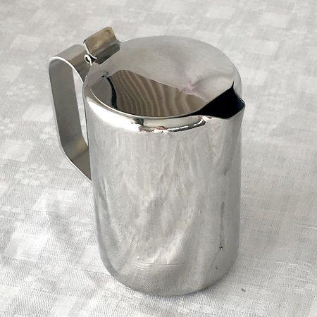 カフェ仕様 ステンレス製 小さなポット ミルクピッチャー
