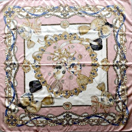 薄ピンクがかわいい ヴィンテージスカーフ