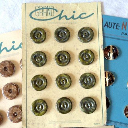 ボタンシート グリーンマーブル 12個