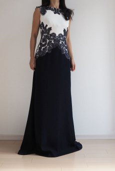 2e59e86d86d3b  在庫処分特別価格 フェザー刺繍アップリケ ロングドレス ネイビー 紺
