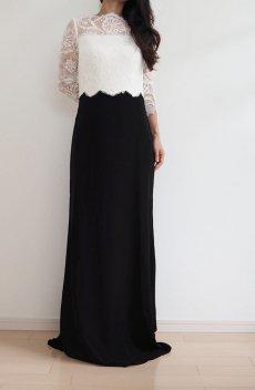 b0c19b25a1809 女性らしさ溢れるフラワーワンピ.  US4のみSALE レース&クレープ ロングドレス 黒×白
