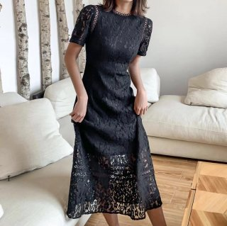 <img class='new_mark_img1' src='https://img.shop-pro.jp/img/new/icons14.gif' style='border:none;display:inline;margin:0px;padding:0px;width:auto;' />DAISY LACE DRESS