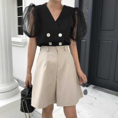 <img class='new_mark_img1' src='https://img.shop-pro.jp/img/new/icons14.gif' style='border:none;display:inline;margin:0px;padding:0px;width:auto;' />SHORT PANTS IN BEIGE