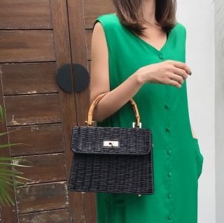 <img class='new_mark_img1' src='https://img.shop-pro.jp/img/new/icons14.gif' style='border:none;display:inline;margin:0px;padding:0px;width:auto;' />BLACK RATTAN BAMBOO HANDLE BAG