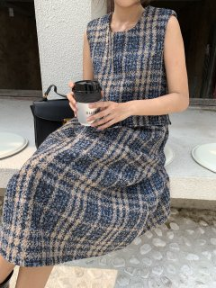 <img class='new_mark_img1' src='https://img.shop-pro.jp/img/new/icons14.gif' style='border:none;display:inline;margin:0px;padding:0px;width:auto;' />BLUE TWEED DRESS