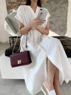 <img class='new_mark_img1' src='https://img.shop-pro.jp/img/new/icons14.gif' style='border:none;display:inline;margin:0px;padding:0px;width:auto;' />WHITE LONG SHIRT  DRESS