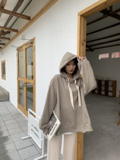<img class='new_mark_img1' src='https://img.shop-pro.jp/img/new/icons14.gif' style='border:none;display:inline;margin:0px;padding:0px;width:auto;' />KR SHORT RIBBON HOODIE