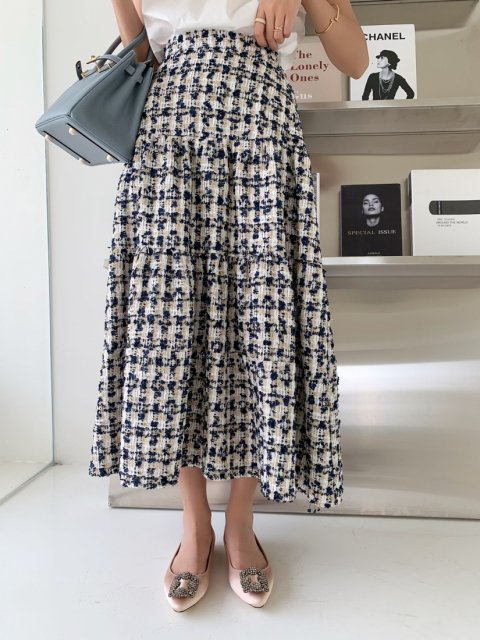 <img class='new_mark_img1' src='https://img.shop-pro.jp/img/new/icons14.gif' style='border:none;display:inline;margin:0px;padding:0px;width:auto;' />GREEN TWEED MIDI SKIRT