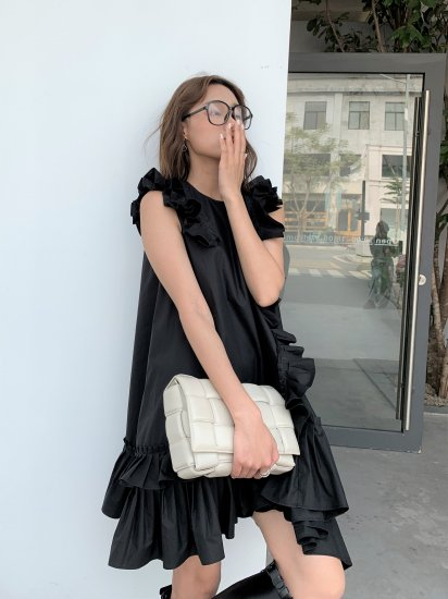 <img class='new_mark_img1' src='https://img.shop-pro.jp/img/new/icons14.gif' style='border:none;display:inline;margin:0px;padding:0px;width:auto;' />FRILL COTTON OP