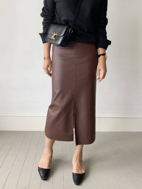 KR レザータイトスカート