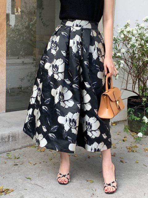 フラワーモチーフ スカート