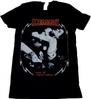 SCORPIONS「LOVE AT FIRST STING」Tシャツ<img class='new_mark_img2' src='//img.shop-pro.jp/img/new/icons52.gif' style='border:none;display:inline;margin:0px;padding:0px;width:auto;' />
