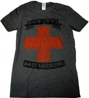 BON JOVI「BAD MEDICINE」Tシャツ<img class='new_mark_img2' src='//img.shop-pro.jp/img/new/icons52.gif' style='border:none;display:inline;margin:0px;padding:0px;width:auto;' />