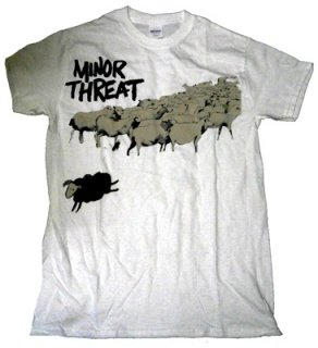 MINOR THREAT「OUT OF STEP WHITE」Tシャツ<img class='new_mark_img2' src='//img.shop-pro.jp/img/new/icons52.gif' style='border:none;display:inline;margin:0px;padding:0px;width:auto;' />