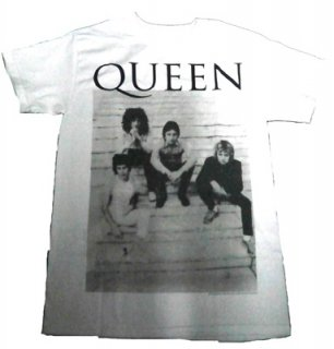 QUEEN「STAIRS WHITE」Tシャツ<img class='new_mark_img2' src='//img.shop-pro.jp/img/new/icons11.gif' style='border:none;display:inline;margin:0px;padding:0px;width:auto;' />