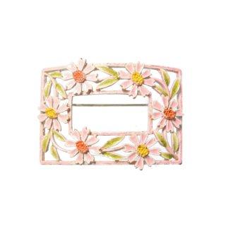 アート・ピンクのお花のスクウェアーブローチ