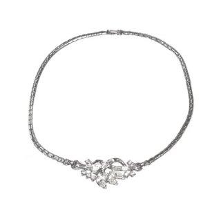トリファリ・上品に輝くラインストーンの銀色ネックレス(特許)