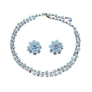 クレーマー・可憐な青い小さなお花のネックレスセット