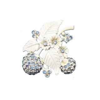 ホリークラフト・青い実のホワイトエナメルブローチ