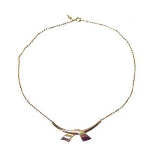 トリファリ・華奢でシンプルなゴールドカラーのネックレス