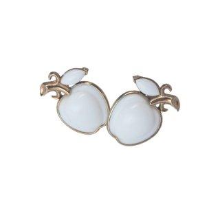 トリファリ・ミルクガラスの林檎のイヤリング・特許