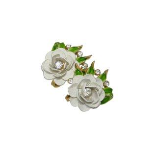 トリファリ・白い薔薇とラインストーンのイヤリング