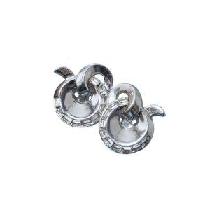トリファリ・モダンなシルバーカラーのイヤリング(特許)
