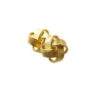 トリファリ・金色リボンを交差させたイヤリング