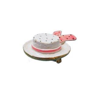 オリジナルバイロバート・白い帽子のブローチ