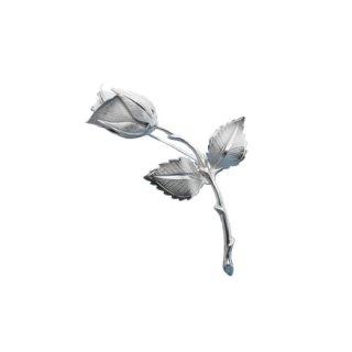 ジョバンニ・銀色の小さな薔薇の蕾とリーフのブローチ