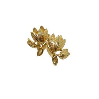 トリファリ・小さな金色チューリップのイヤリング