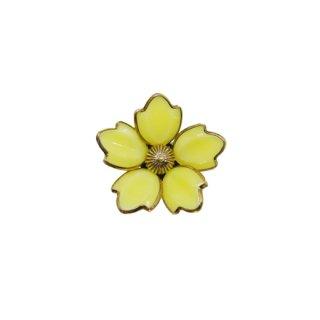 トリファリ・黄色いファッションブロッサムズのブローチ