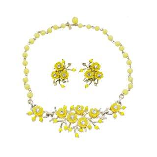 ヴォリュプテ・レトロラブリーな黄色いお花のネックレスセット