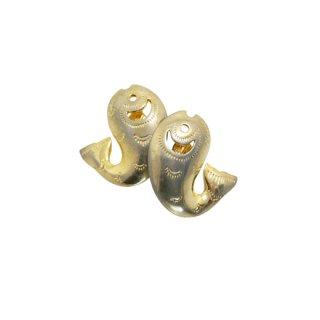 トリファリ・元気な金色のお魚のイヤリング