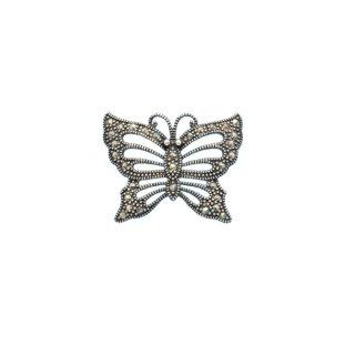 マーカサイトで装飾された銀製の小さな蝶のブローチ